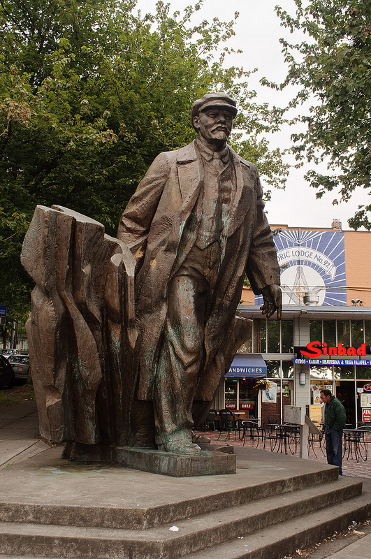 Statue_of_Lenin_Seattle