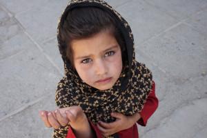 Afghan_girl_begging