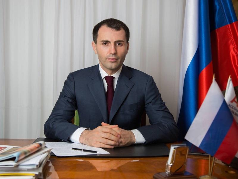 Кто решил выдвинуться в президенты России