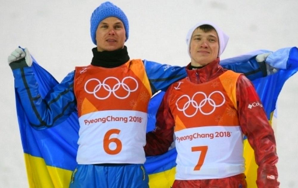 Русский и украинец под одним флагом, украинским