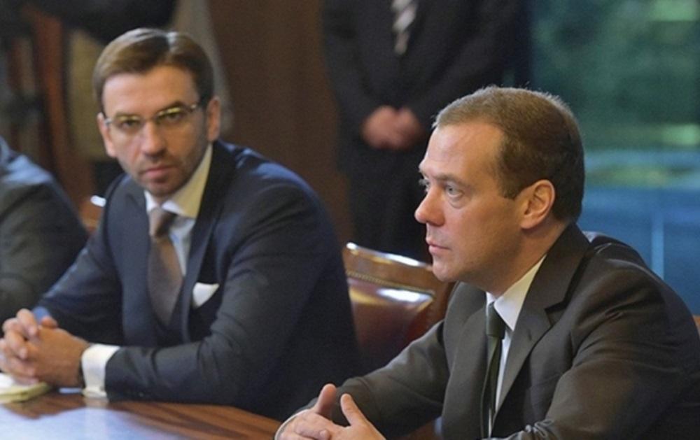 Экс-министра Абызов обвинен в создании ОПГ
