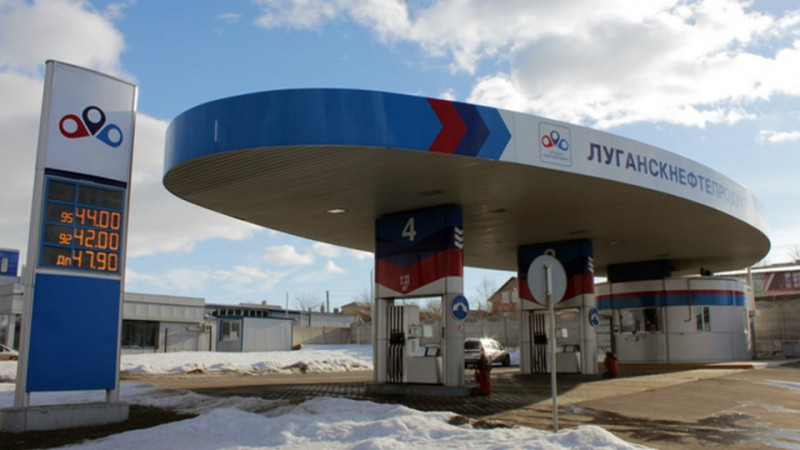 v-lnr-podeshevel-benzin-e1550500964494-960x540-960x540