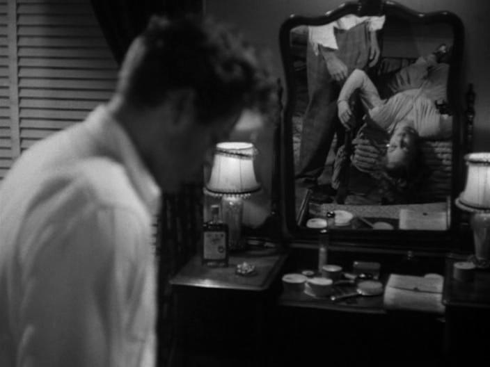 Ob'ezd.1945.DVDRip.1.09.All.Films.RG.avi_snapshot_01.00.42_[2012.12.23_15.38.48]