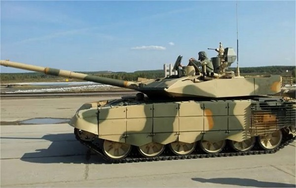 T-90S_REA_2011_main_battle_tank_Russia_Russian_defence_industry_003