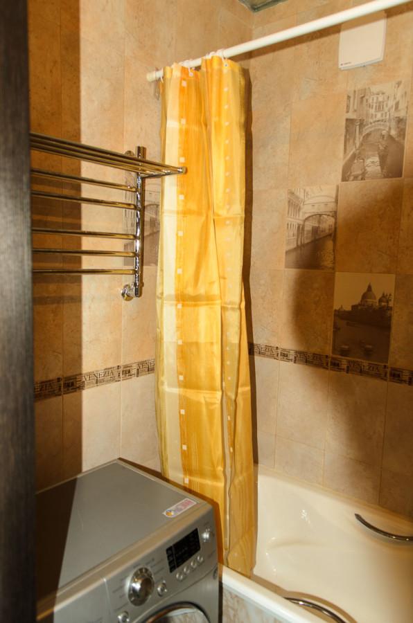 левая сторона ванной