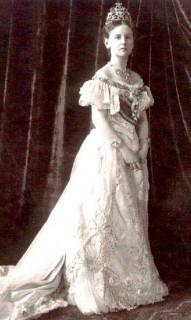 1901 Queen Wilhelmina standing