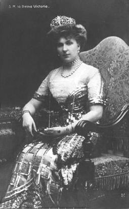 1911 Queen Ena in a Worh gown