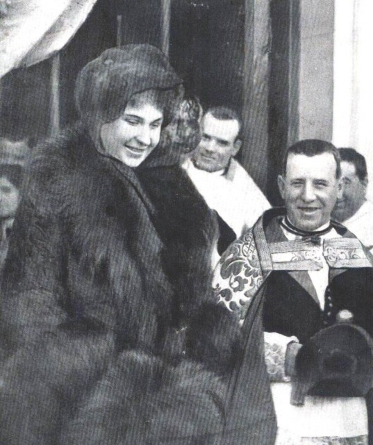 1913 Queen Victoria Eugenia in February