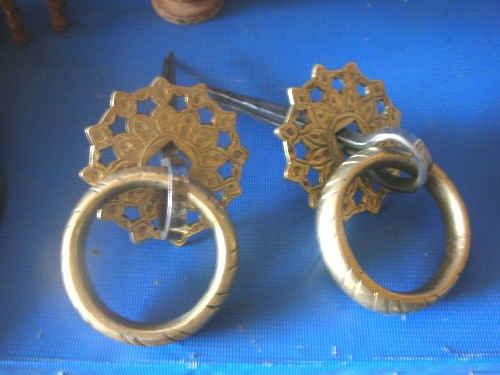 Типичные бронзовые кольца бухарских дверей