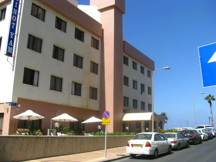 Отель Гинот Ям