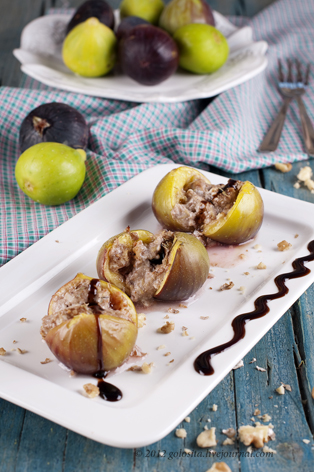 Baked fig with cheese and walnut