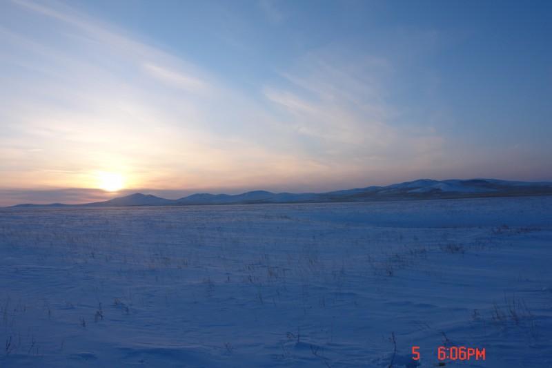 А так выглядит Монголия зимой. Не дай Вам Бог, вкусить этой романтики, не будучи хорошо подготовленным.