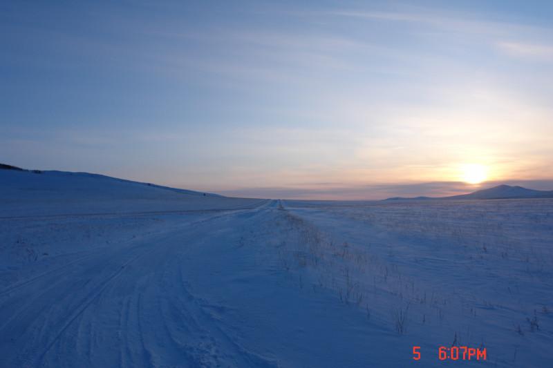 Зимняя дорога в хорошую погоду. Не дует, не метет. Прямо курорт!