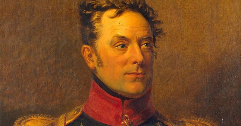 Ермолай Керн, сын британского поданного, старый нелюбимый муж молодой жены. Герой арьегардов в начале войны с Наполеоном и авангардов в конце войны. Руководил штурмом Монмартра! Просто так в Эрмитаж не попадают!