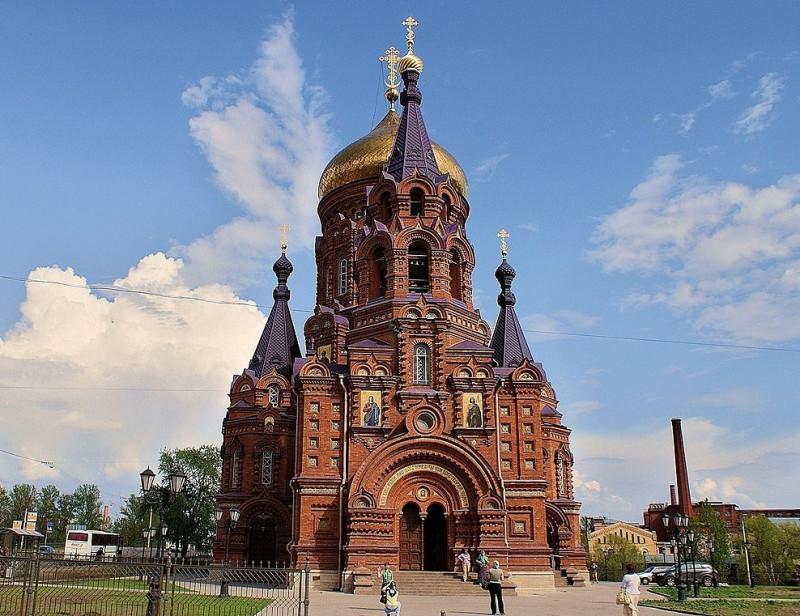 Церковь Богоявления на Гутуевском острове, Санкт-Петербург. Недавно открыли, пока ноги не дошли. По описанию современников внутри была неимоверной красоты.
