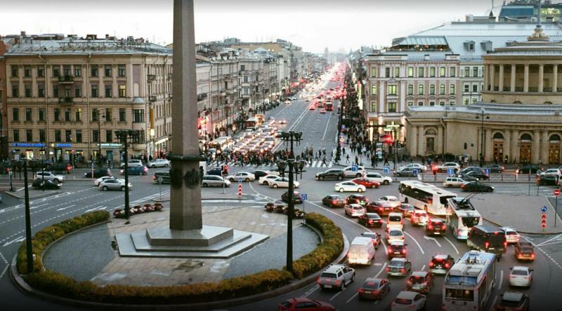 Бывшая Знаменская площадь, теперь площадь Восстания.