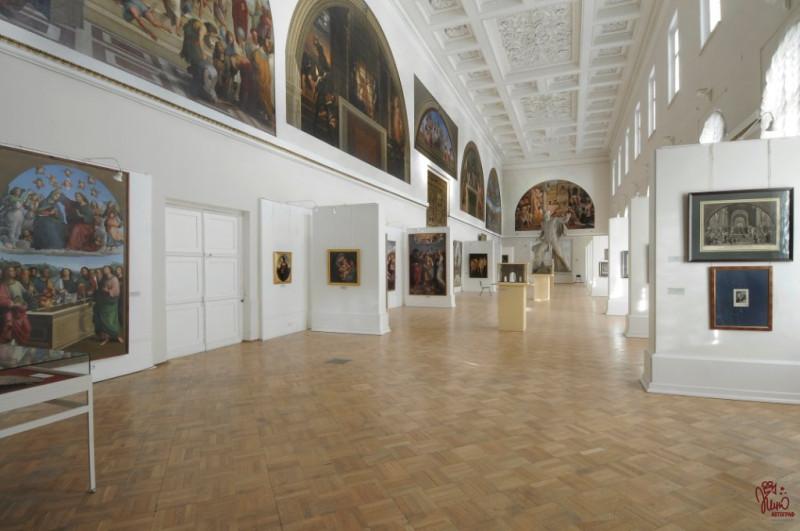"""Собственно в этом зале и расположилась выставка якобы """"другого Бродского""""."""