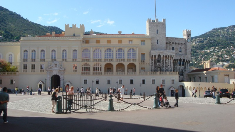 Здесь живет Князь Монако.