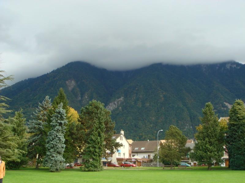 Вильнев, горы в тумане.