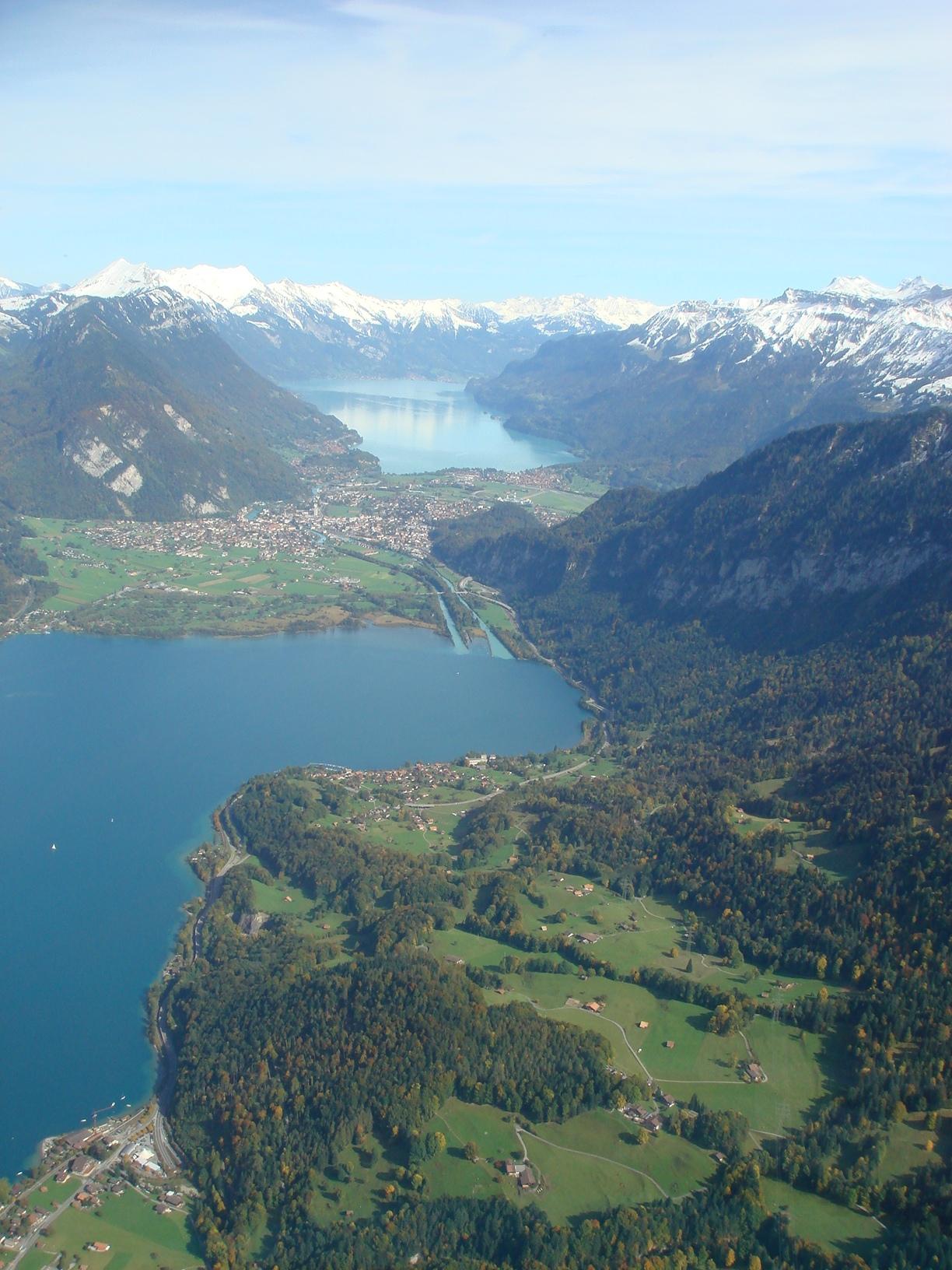Озер этих в Швейцарии просто немерено.
