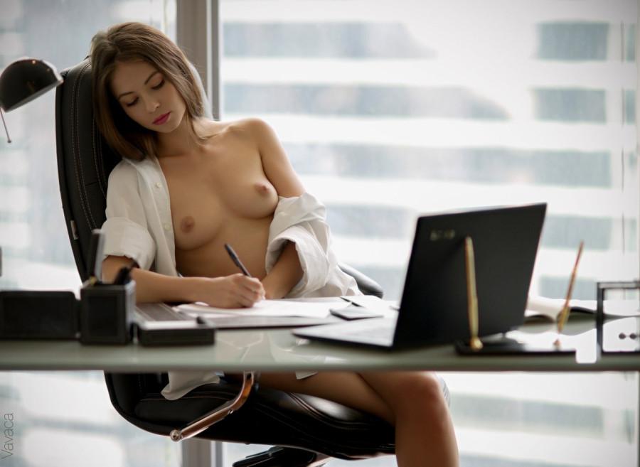 Пятничное офисное (18+)