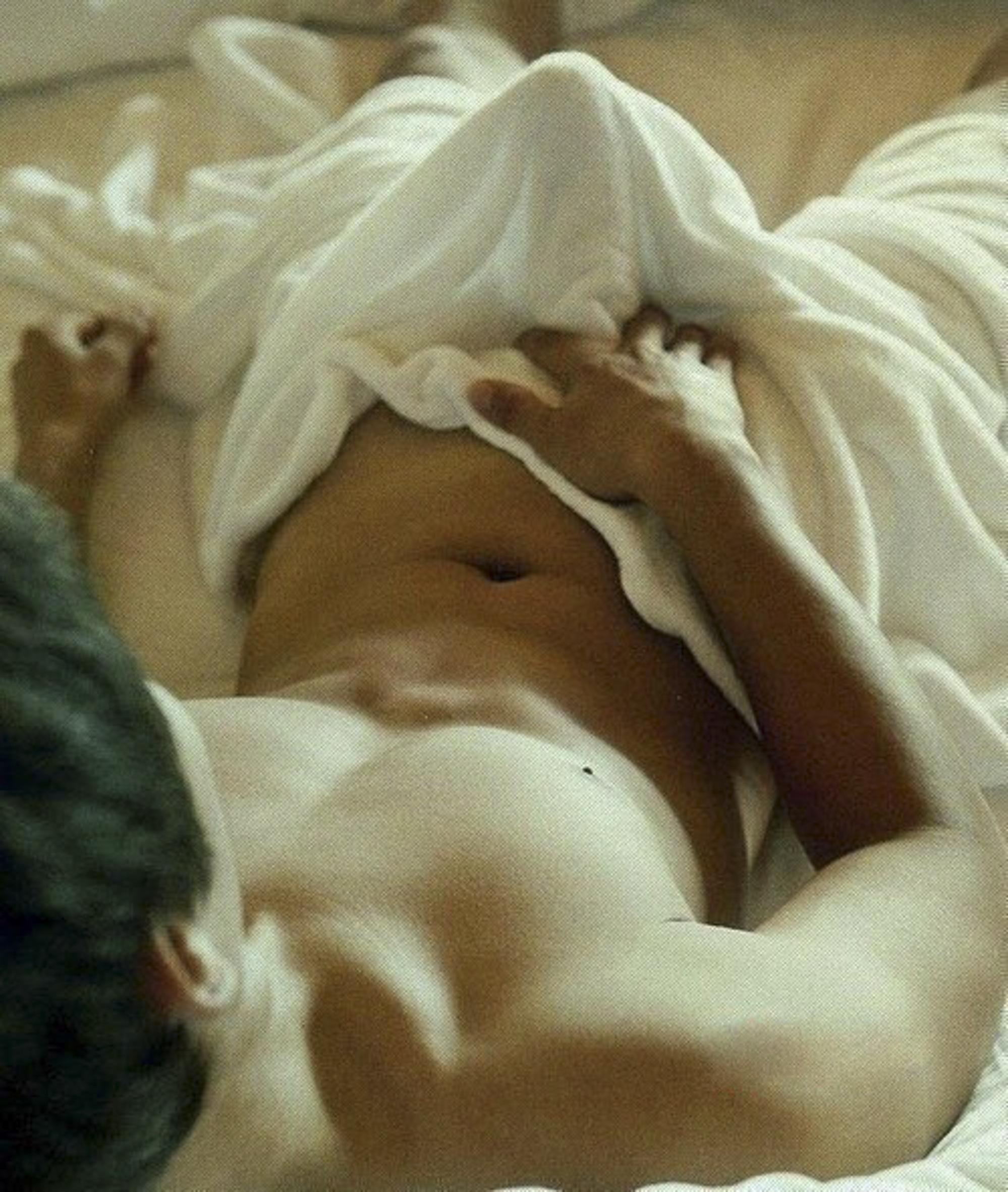 Проснулась с утра и возбудила парня на секс 17 фотография