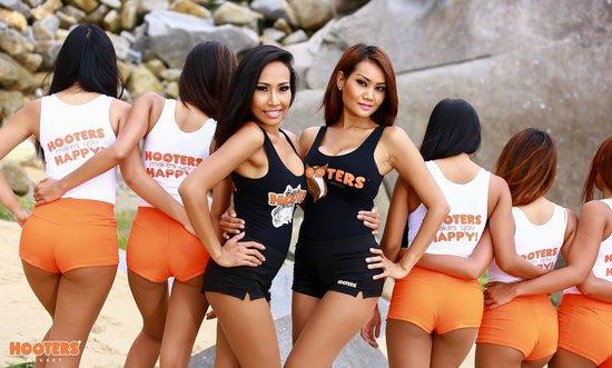 hooters-phuket