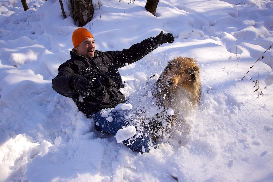 Забросаем Сеню снегом