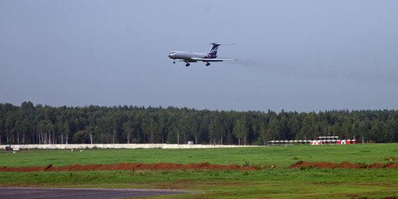 Ту-134 идет на посадку