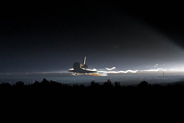 Последняя посадка челнока 'Атлантиса' на мысе Канаверал 21 июля 2011