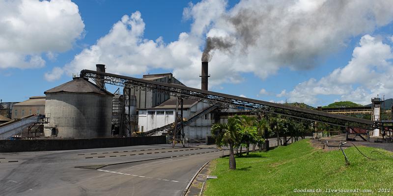 Чадящая сахарная фабрика