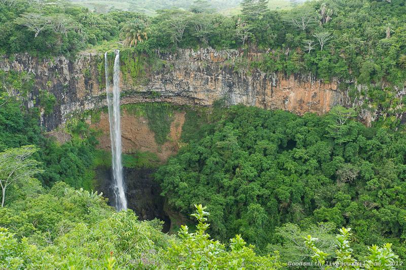 100-метровый водопад Шамарель