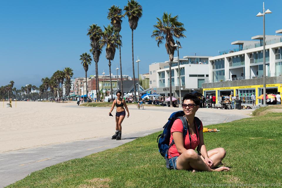 Саша рядом с пляжем