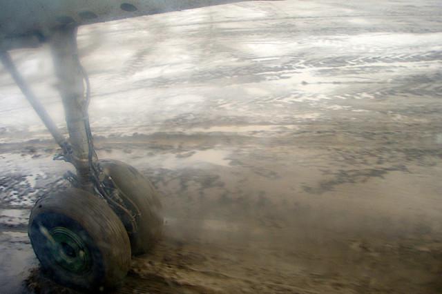 Взлет в грязи