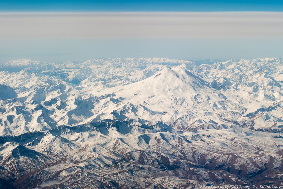Эльбрус с высоты более 10000 метров
