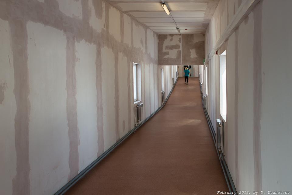 Длинные пустые коридоры