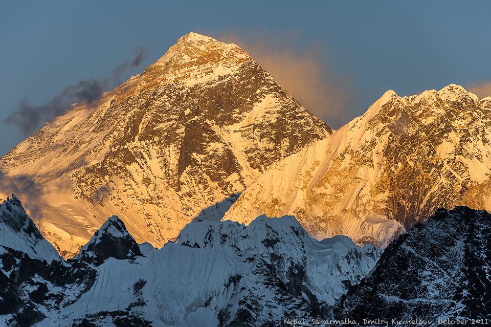 Эверест на закате