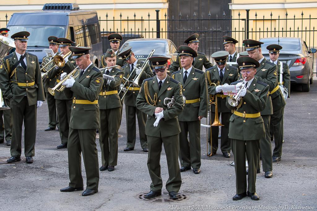 8. Военный духовой оркестр
