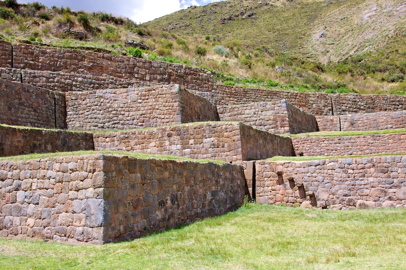 Типон, Перу