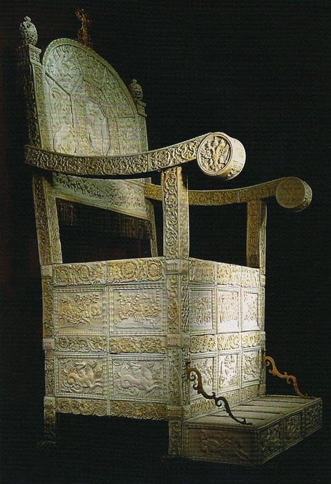 Царские троны в Оружейной палате