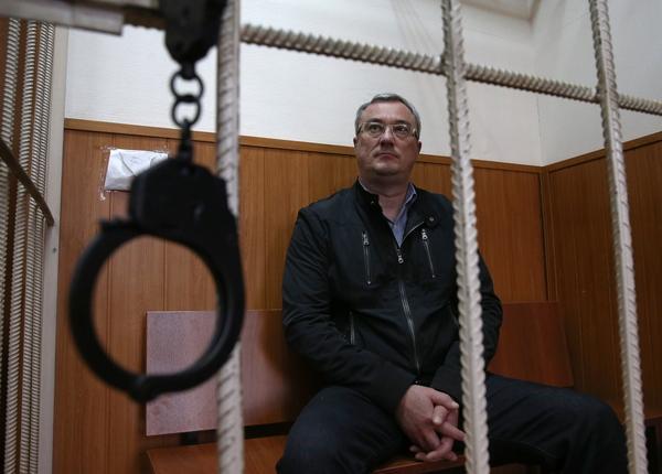 арестованный губернатор Коми Вячеслав Гайзер