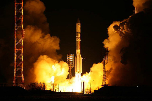 091230-proton-launch-02