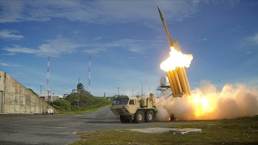 1280px-The_first_of_two_Terminal_High_Altitude_Area_Defense_(THAAD)_interceptors_is_launched_during_a_successful_intercept_test_-_US_Army