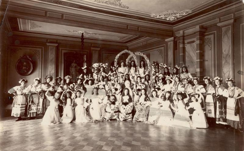 Бал-маскарад в Иркутском институте благородных девиц