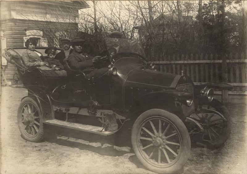 Купеческая семья И.Н. Алексеева на отдыхе