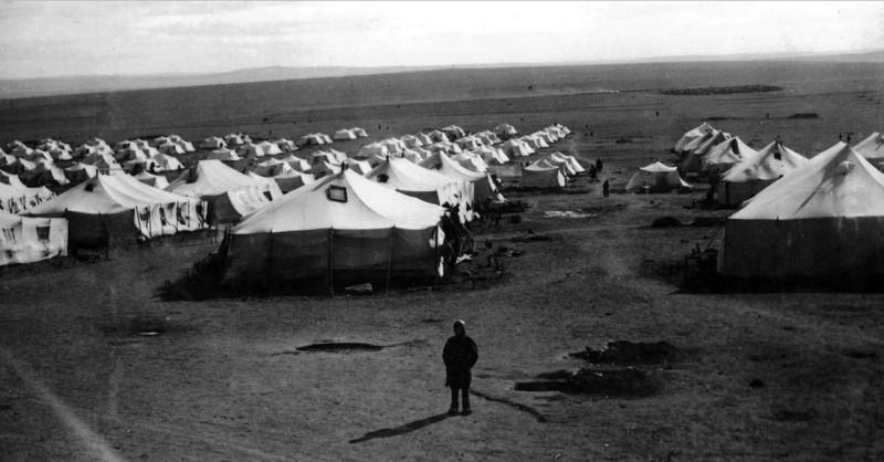 А вначале спецереселенцы жили в палатках, которые им были любезно предоставлены. Не многим так подфартило. Это были просто везунчики.