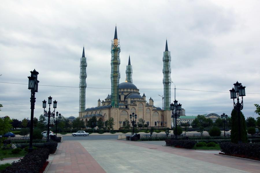 мечеть Сердце Чечни - крупнейшая в стране