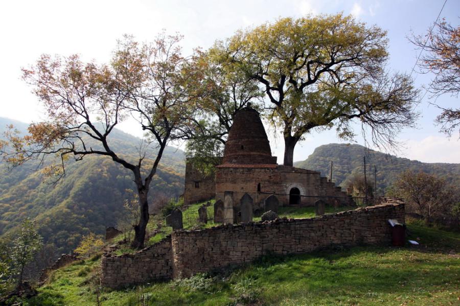мавзолей и мечеть в Калакурейше - единственные уцелевшие здания