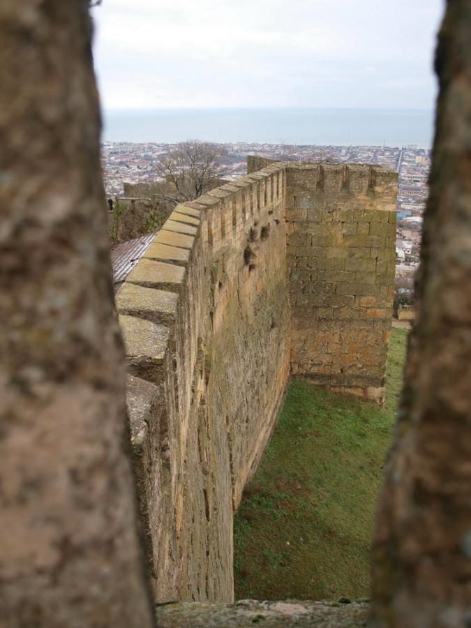 средневековая дербентская стена