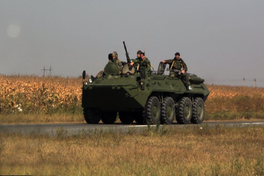 военная техника на кавказских дорогах - обычное явление